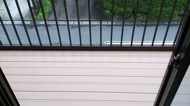雨漏り対策! ベランダ床の張り替え工事