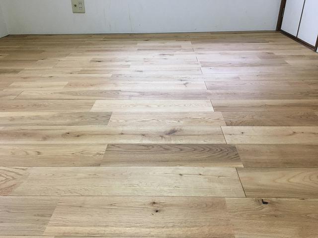 畳の部屋が温かみのあるムクの床に