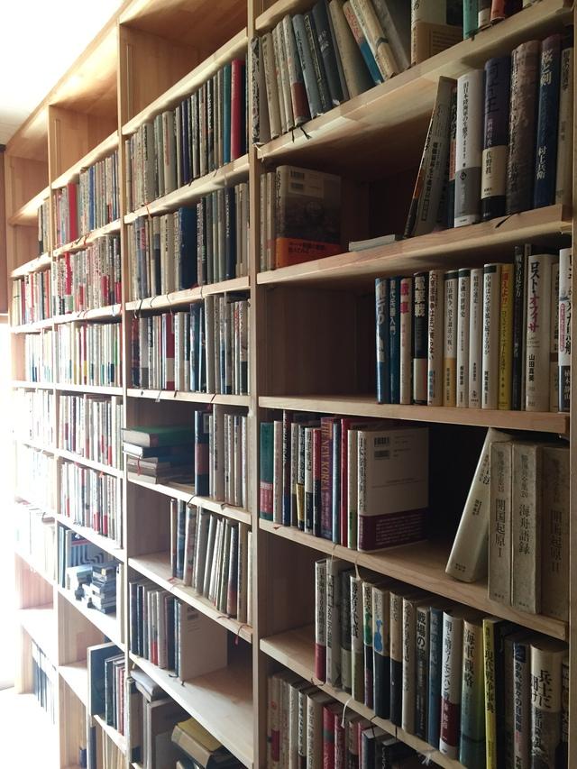 本棚をたくさん設けた平屋住宅改修②