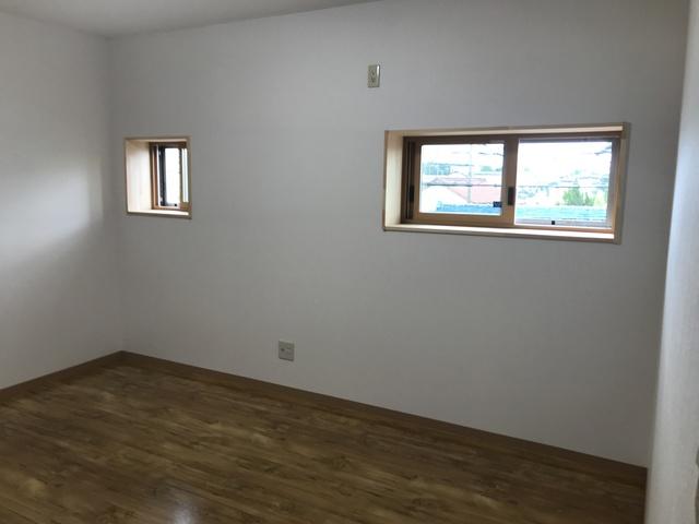 足場を設けずに2階の窓の増設リフォーム