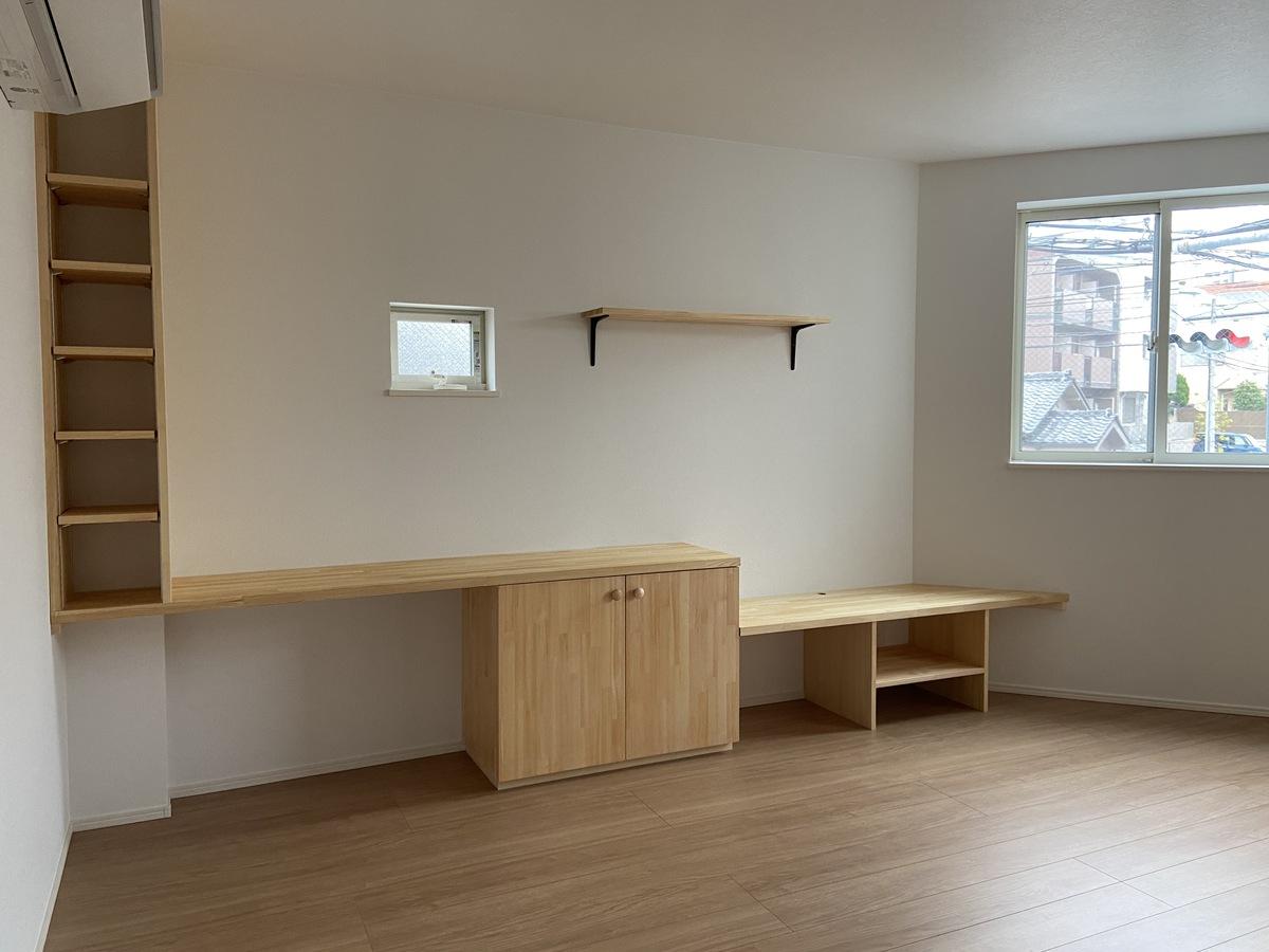 造りつけ家具で収納力アップ!